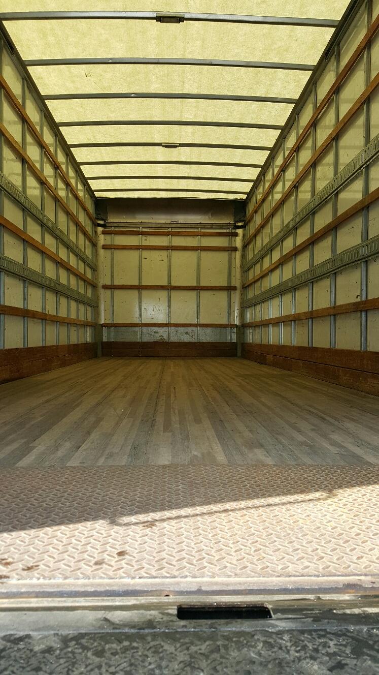 Box Truck Translucent Roof 2007 Isuzu Nqr 18 C C Low